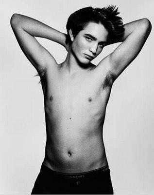 robert_pattison_shirtless_3